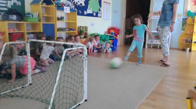 Biedronki i piłka nożna