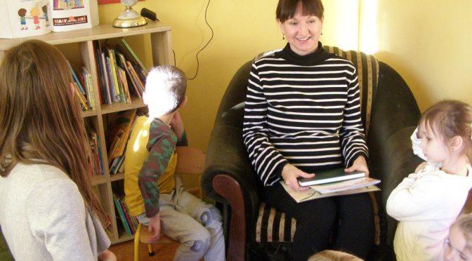 Sówki czytają o Kici Koci