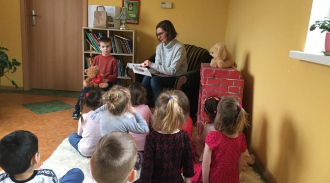 Misie czytają o Kici Koci